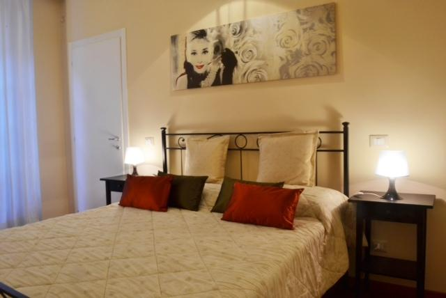 Cheap &charm - Como old town, holiday rental in Como