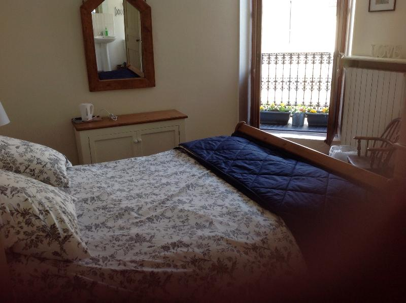 Double bedroom with baloney ,en-suite,tv and wifi