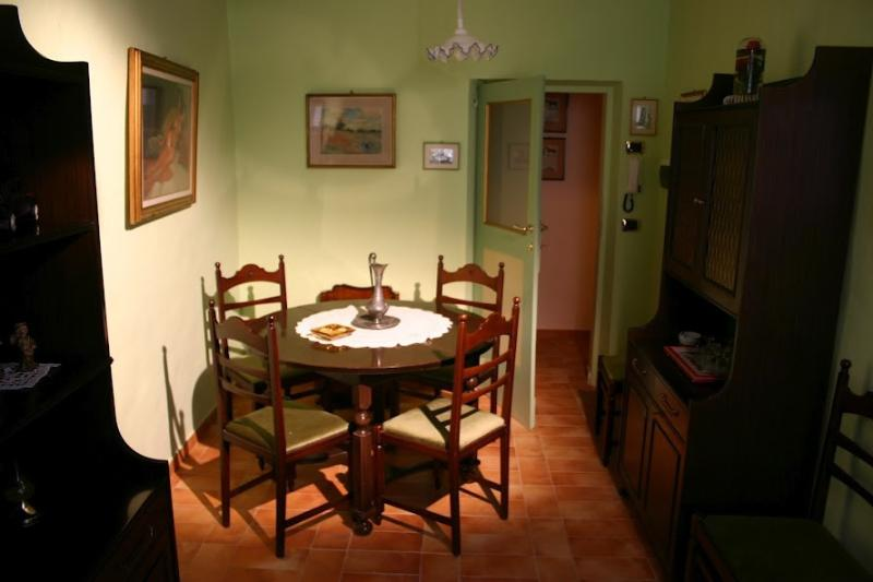 IL VICOLETTO APPART 2-3 PAX, holiday rental in Colle San Valentino