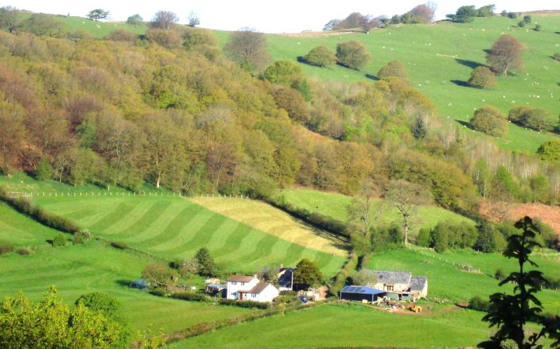 Ty Gwyn (White House), Porth-y-Parc, in the Brecon Beacons, Ferienwohnung in Gilwern