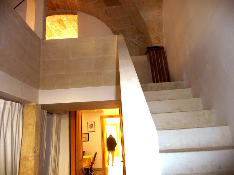 Casa tipica Salentina terra tetto, holiday rental in Sternatia