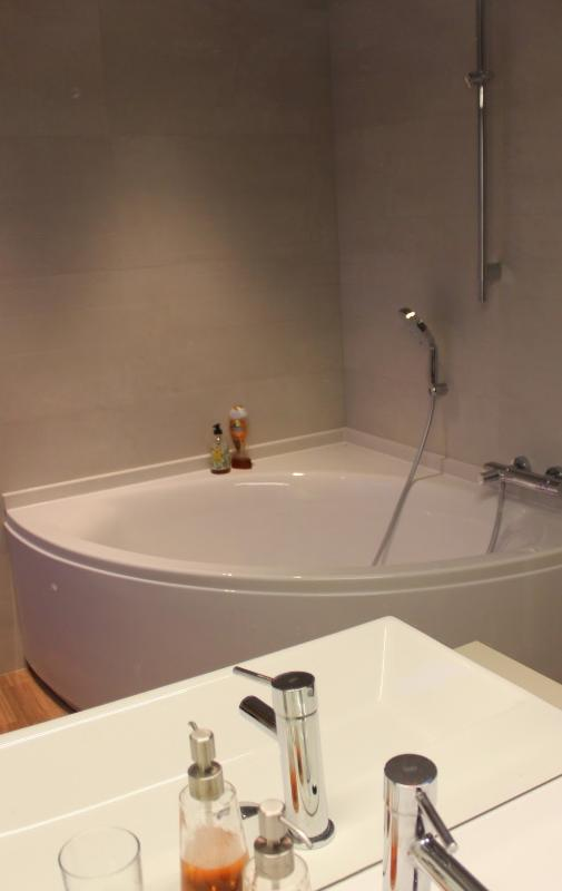 A luxurious bath in the corner bath will perfectly prepare you for a quiet night