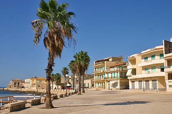 promenade of Sampieri