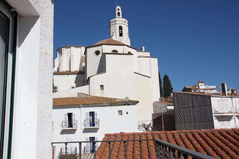 (P2.2) Con encanto y a 1 minuto playa, alquiler de vacaciones en Cadaqués