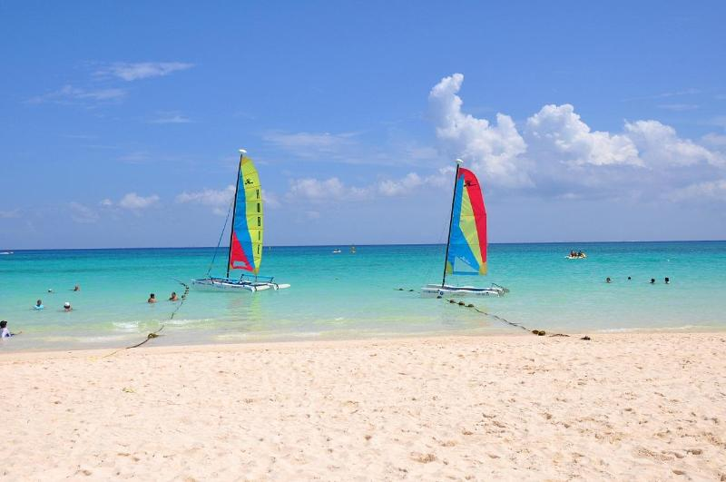 Lovely white sand beach and turquoise sea