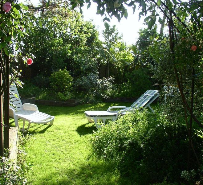la Birochère Grand et confortable  studio  meublé  Rdc sur terrasse  et  jardin, aluguéis de temporada em Pornic