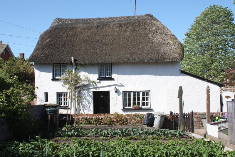 Thatched Cottage in Woodbury Nr Topsham, holiday rental in Exeter