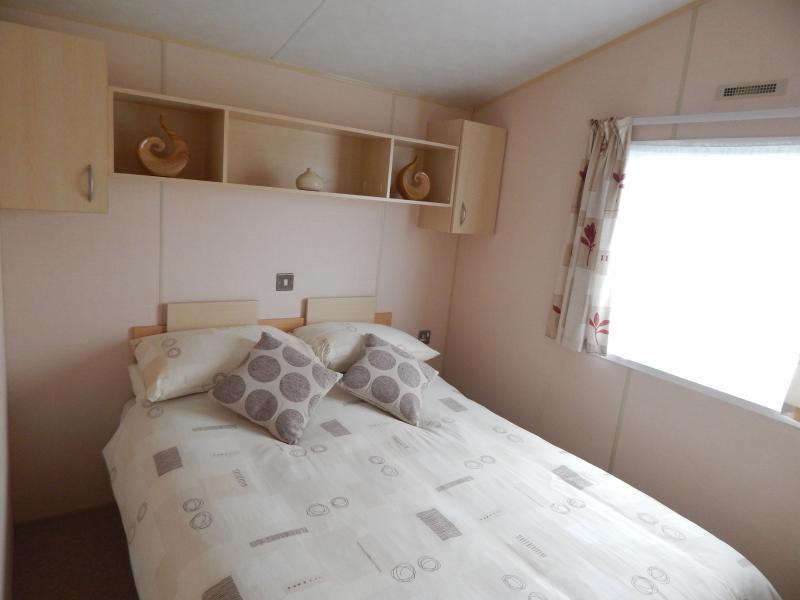 Sehr komfortable Doppelzimmer mit reichlich Stauraum