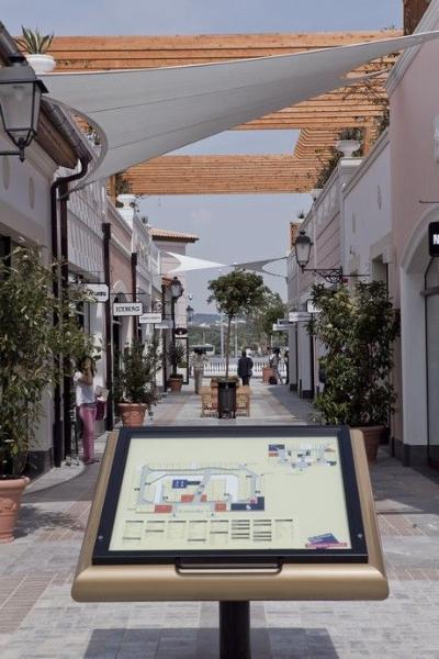 Mac Arthur Glen Designers Outlet Athens
