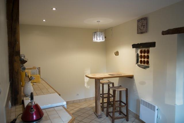 Well equipped kitchen - Breakfast Bar, coffee machine, microwave, Gas oven / cooker etc