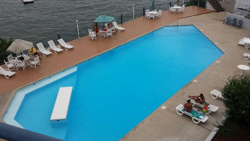 Large Community Pool at Palisades with swimming area for small children!