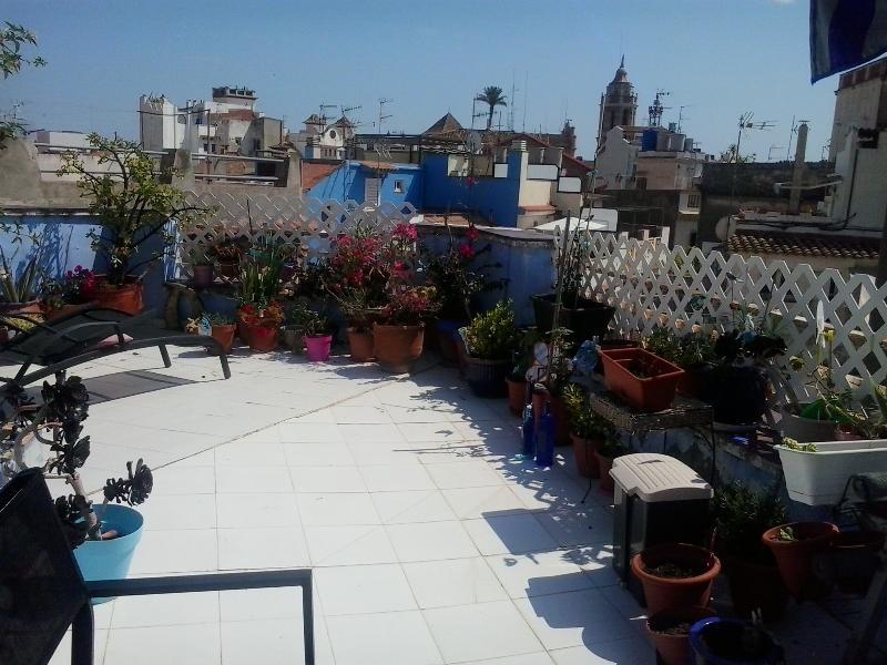 Vista del chaflán de la terraza, de espaldas a la Iglesia de la Punta.