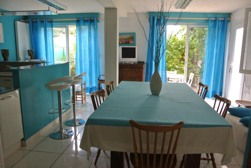 Apartment 200m from the sea