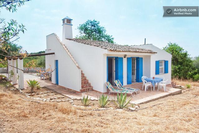 ALGARVE RURAL 2BEDROOM VILLA, Ferienwohnung in Faro
