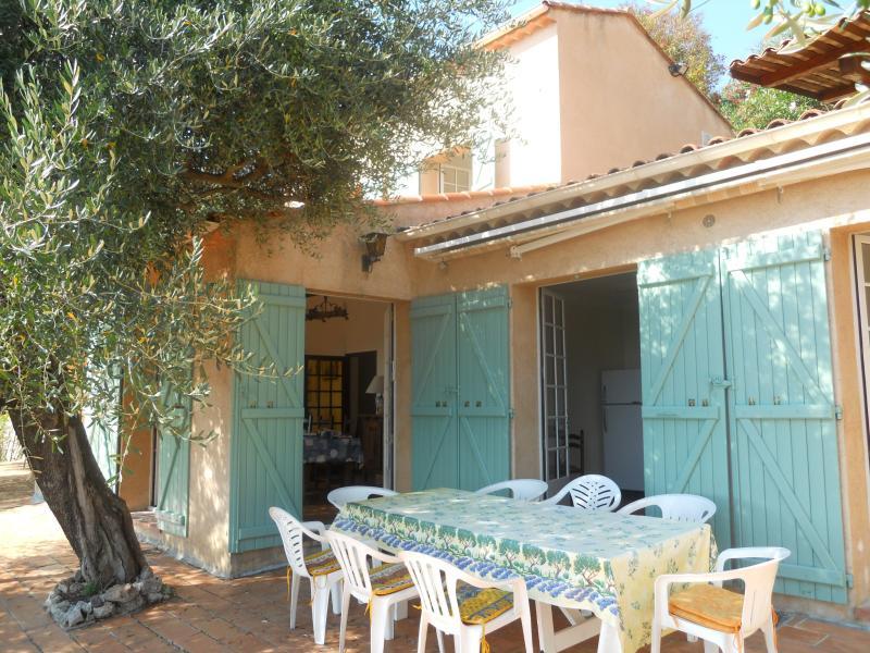 Villa à Cabris (proche: Grasse - Cannes - Antibes), location de vacances à Spéracèdes