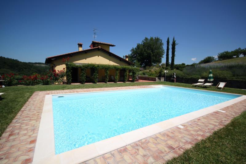 Holiday Farmhouse, holiday rental in Castelnuovo dei Sabbioni