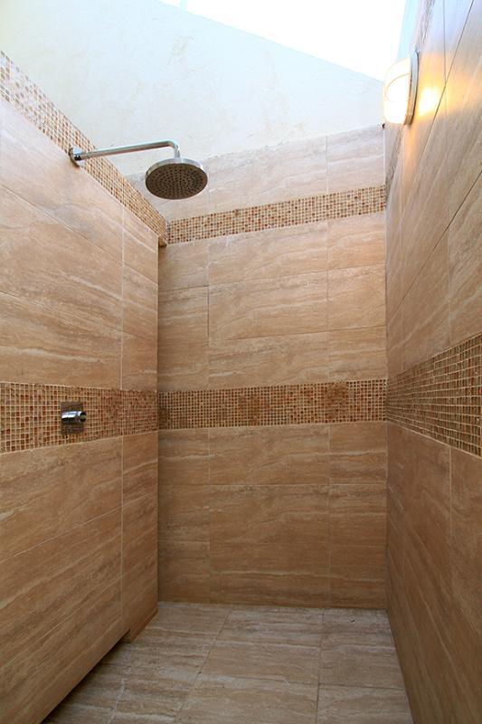 Room 6 Outdoor Shower