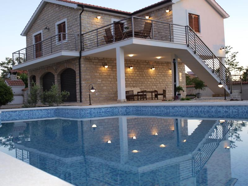 Relax&Enjoy in Villa**** for perfect family getaway. Car is included., holiday rental in Gornje Selo
