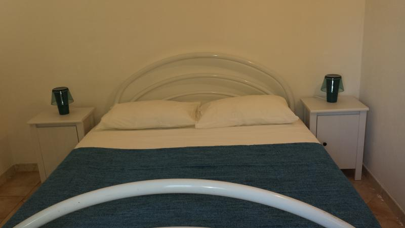 Bed kamer met King Size bed