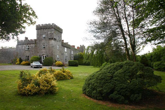 Irish Castle Accommodation Adare, Limerick Ireland, holiday rental in Gorteen