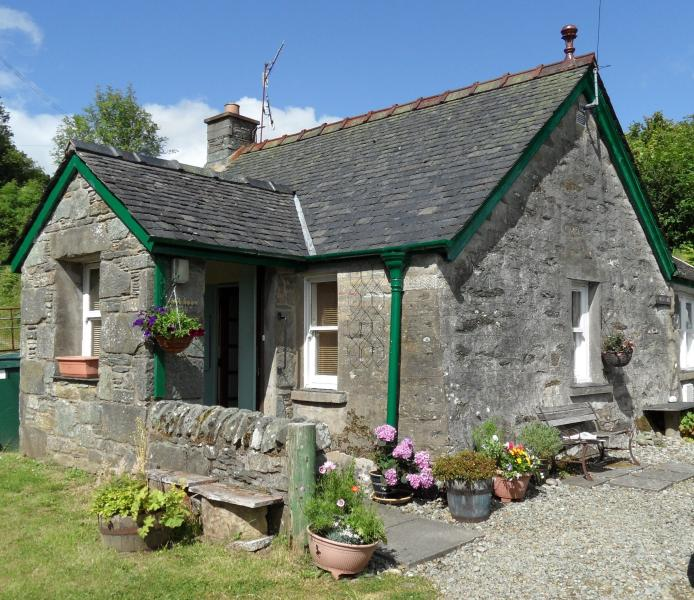 Trevenek Cottage, small village location in historic Kilmartin Glen,pet friendly, location de vacances à Ford