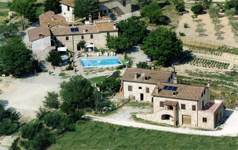 APPARTAMENTI AGRITURISMO  CHIANTI TOSCANA SIENA, holiday rental in Castellina In Chianti