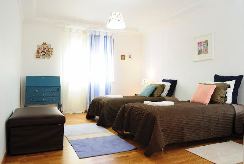 Luxury 5 Bedroom Apartment, holiday rental in Lisbon