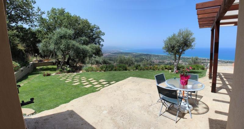 La villa con la bellissima vista panoramica sul mare, sulle Isole Eolie e su Capo d'Orlando
