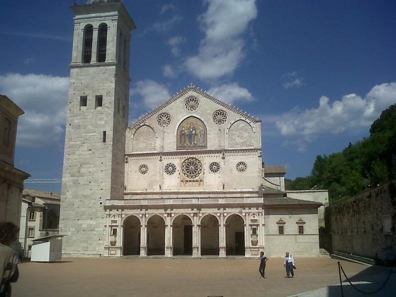 Duomo di Spoleto 30 km foto turistica