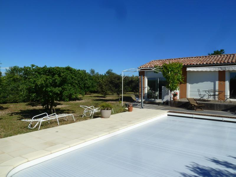 IRIS, holiday rental in Saint-Pierre de Vassols