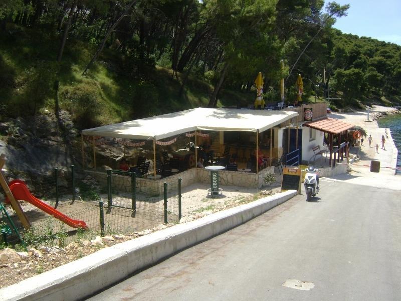 Okrug Donji Beach bar
