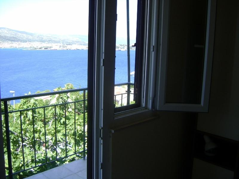 The sea seen from the double bedroom