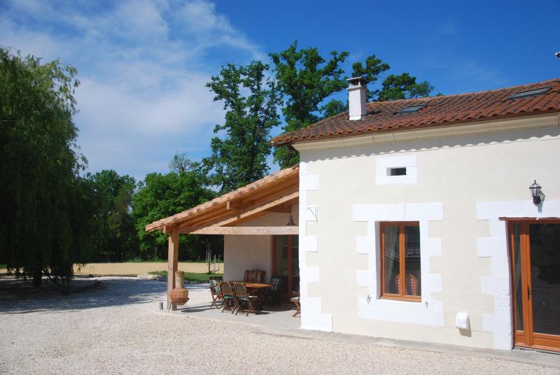 Le Petit Contrefort, vacation rental in Saint-Martin-de-Ribérac