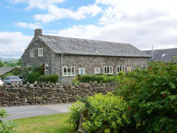OWL BARN, en-suite facilities, fire, WiFi, patio with furniture, Ref 906015, holiday rental in Ings