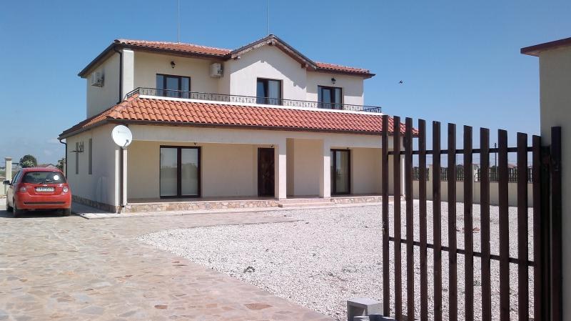 3 Bed Villa in Topola close to 3 golf courses, holiday rental in Balgarevo