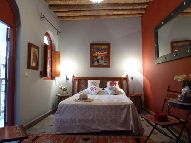 RIAD MADO: Luxury 3 bedroom riad with plunge pool and large roof terrace, holiday rental in Marrakech