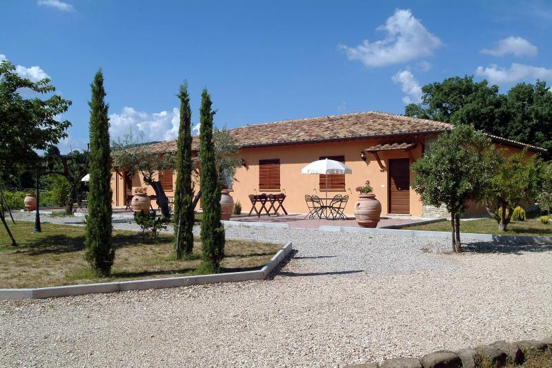 Country House Casal Cerqueto - Bilo, vacation rental in Canalicchio