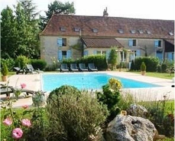 A beautifully restored perigordian stone farmhouse, location de vacances à Ginestet