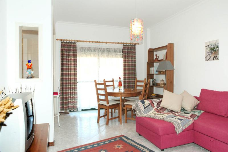 Quiet Sunny apartment, holiday rental in Setubal District