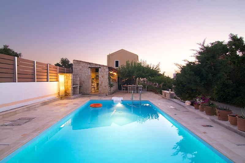 40 m² Communal swimming pool in the complex