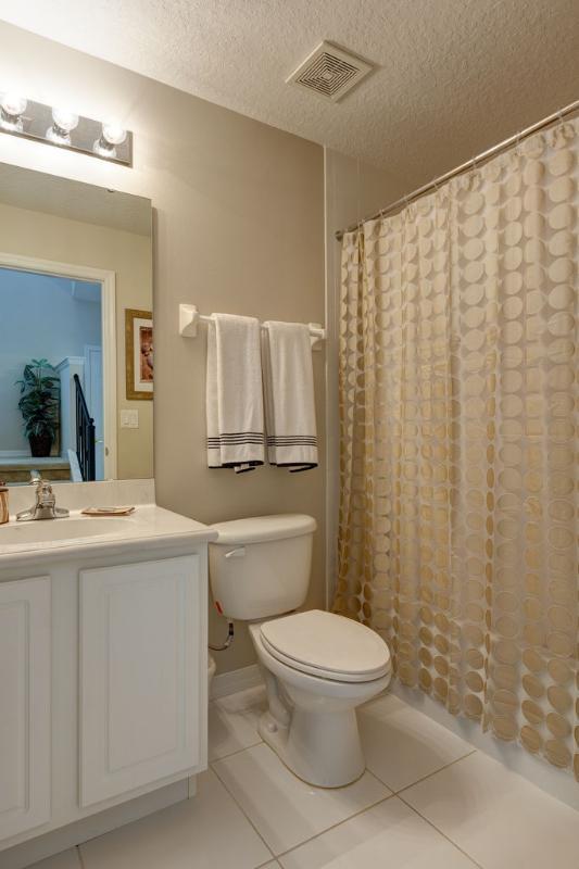 Bathroom for Twin Bedroom