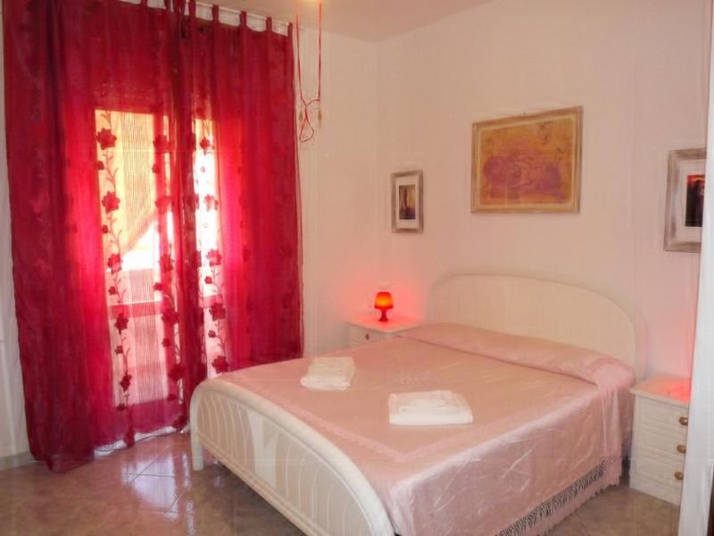 Camera letto matrimoniale (parte letto)
