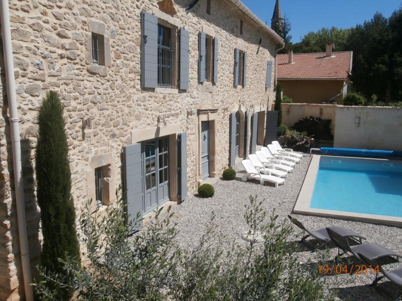 Charming Stone House near Uzes 'Le Clos des Lucques', holiday rental in Bagnols-sur-Ceze