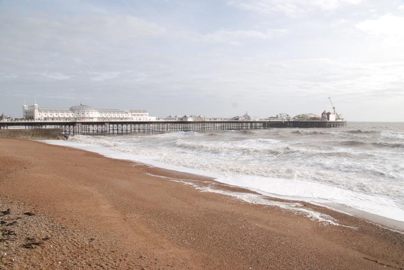 la playa de Brighton y el muelle ... el invierno es un tiempo de silencio aquí!