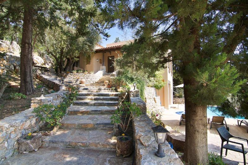 Entrance of the villa!