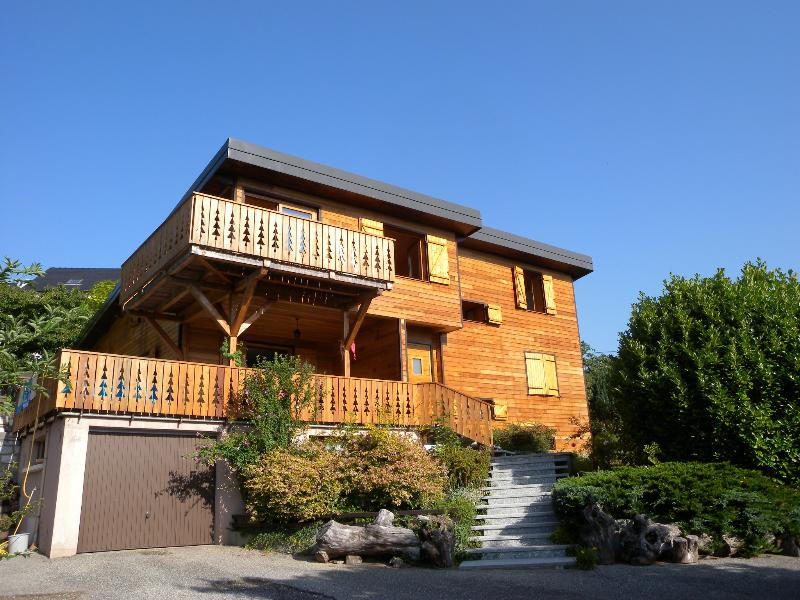 Chalet de la Galopaz, location de vacances à Lepin-le-Lac
