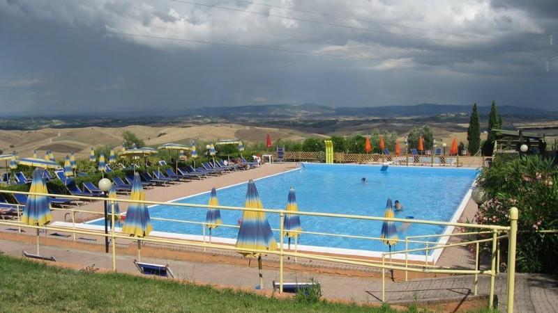 piscina comunale Chianni