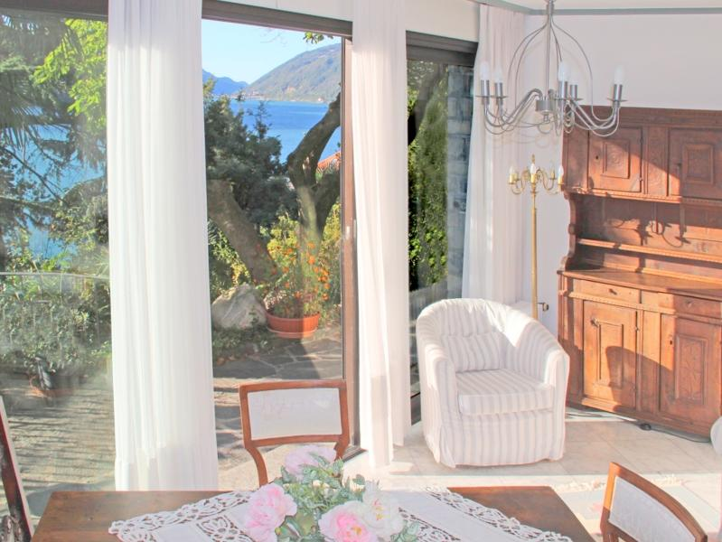 Barony for 2 persons near lake, airconditioning, shared pool, location de vacances à Lugano