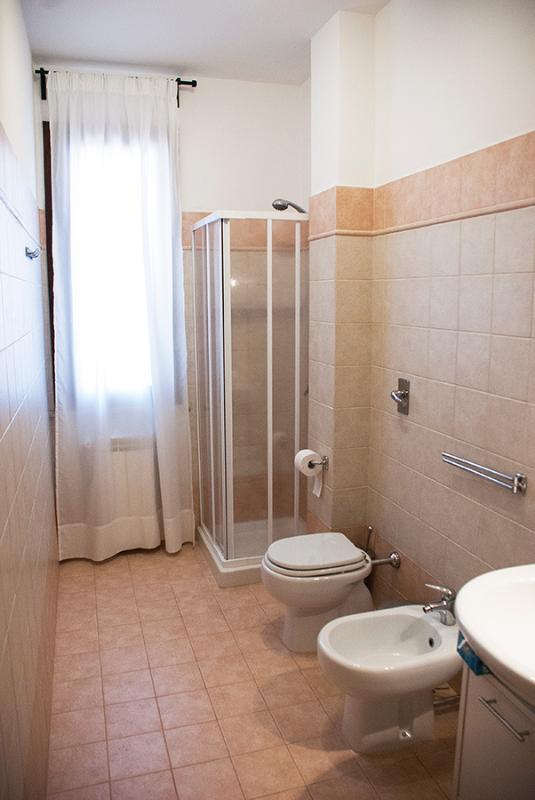 Bagno Secondario con doccia