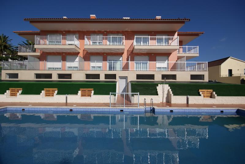 Apartamentos Mirador de Reis (T1, 2-4 pax), vacation rental in Sanxenxo